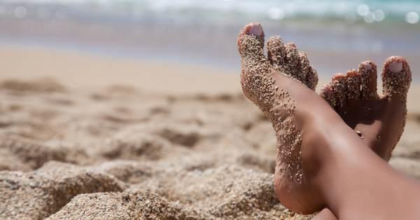 feet in the sand.jpg.600x315_q67_crop-smart